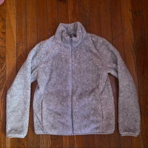 uniqlo gray fuzzy jacket